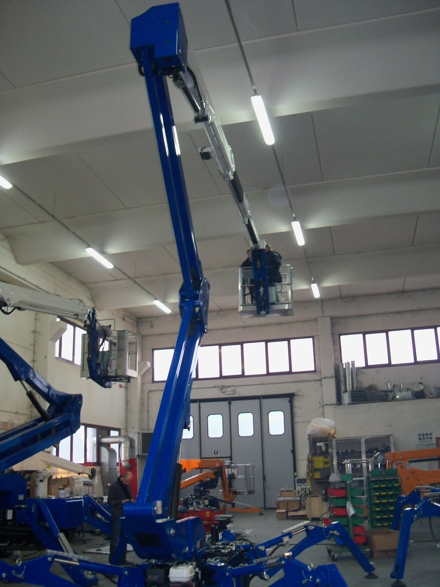 Reachmaster Aerial Lifts Bluelift B72 Compact Aerial